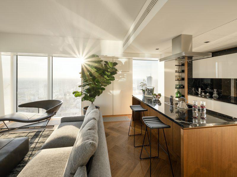 Apartament Reflections